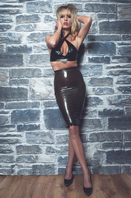 Miss Sarah Jessica in latex